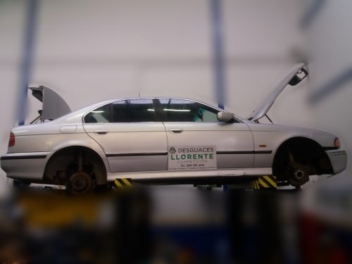 CArroceria lateral derecha- BMW 525 2.5 TDS
