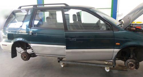 Carroceria lateral derecha – Mitsubishi space wagon